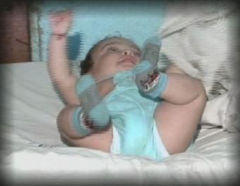 Bebê de apenas 6 meses não tem onde dormir