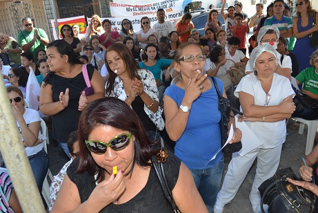 Os servidores da saúde de nível médio realizam uma manifestação em frente ao Hospital Infantil Albert Sabin (HIAS) na manhã desta segunda-feira (10), a partir das 8h.