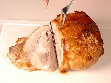 Com o objetivo de garantir mais espaço para a carne de porco nas prateleiras dos supermercados foi lançada, nesta quinta-feira (13), a campanha de incentivo ao consumo da carne suína