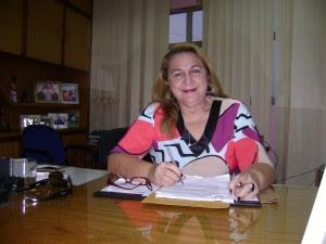 Um grupo armado efetuou uma série de disparos contra a residência e o veículo da atual prefeita do município de Orós, Fátima Maciel (PSB)