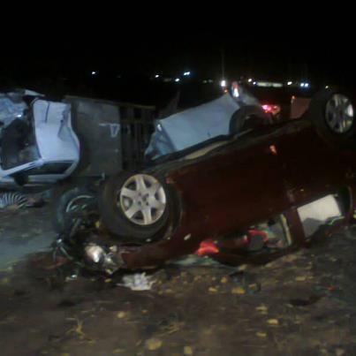 Um acidente grave deixou dois mortos e quatro feridos na noite desta quinta-feira (6), no município de Pacajus