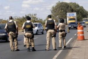 Um homem foi preso, na noite desta quinta-feira (14), no município de Caridade, distante 100 quilômetros de Fortaleza.