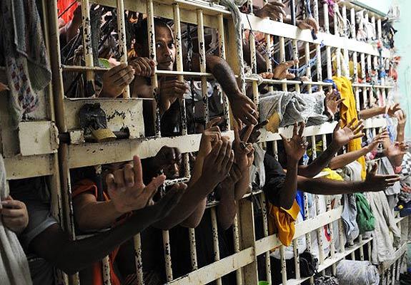 A superlotação nas unidades prisionais do Ceará é um dos principais problemas do sistema carcerário do Ceará (FOTO ILUSTRATIVA)
