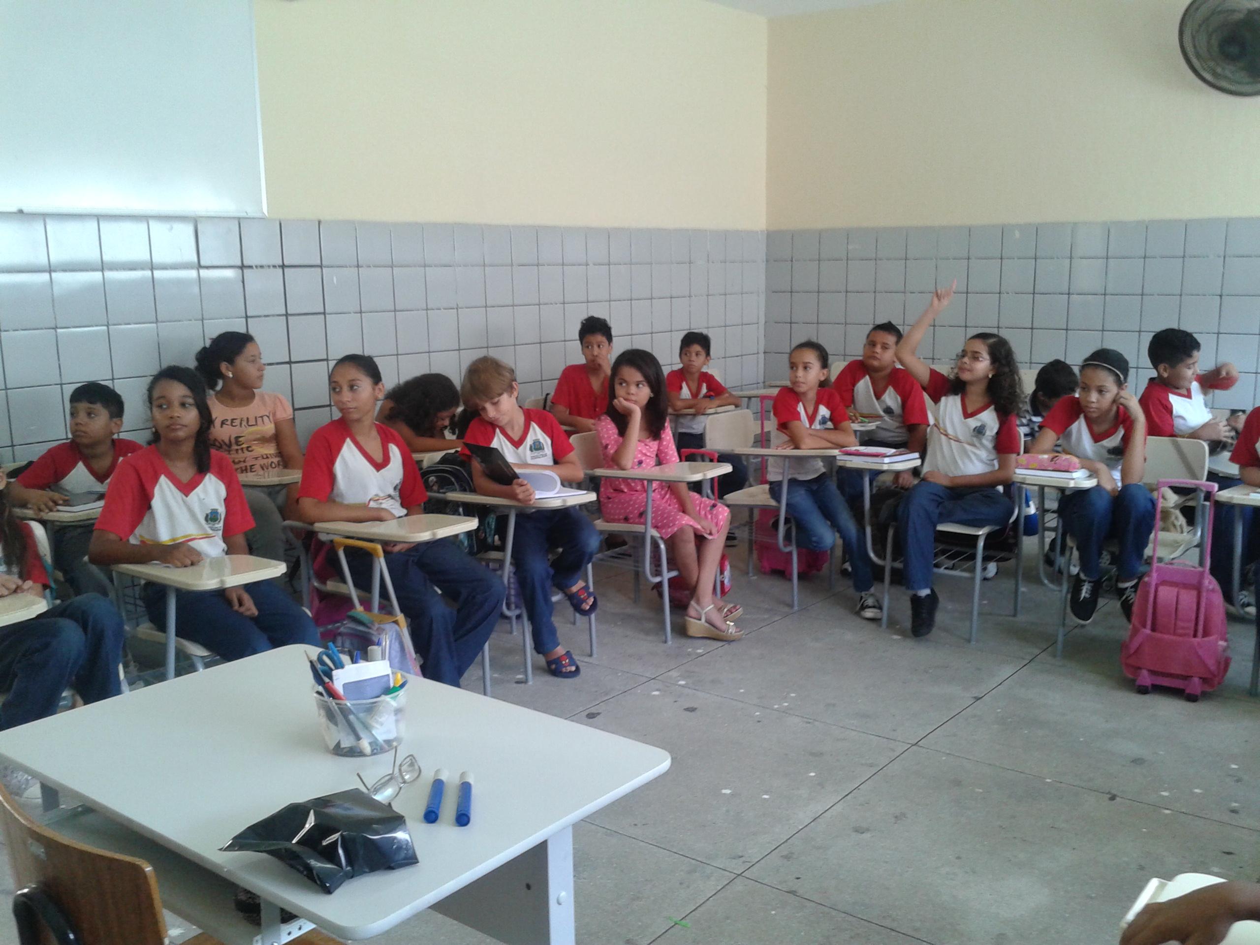 O ano letivo na rede pública municipal de ensino iniciou nesta segunda-feira (18), e Fortaleza ainda tem 36.169 vagas abertas, de acordo com a Secretaria Municipal de Educação (SME).
