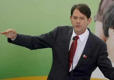 A Agência Nacional de Aviação Civil (Anac) decidiu não punir a invasão do governador do Ceará, Cid Gomes (PSB), à pista do aeroporto de Salvador
