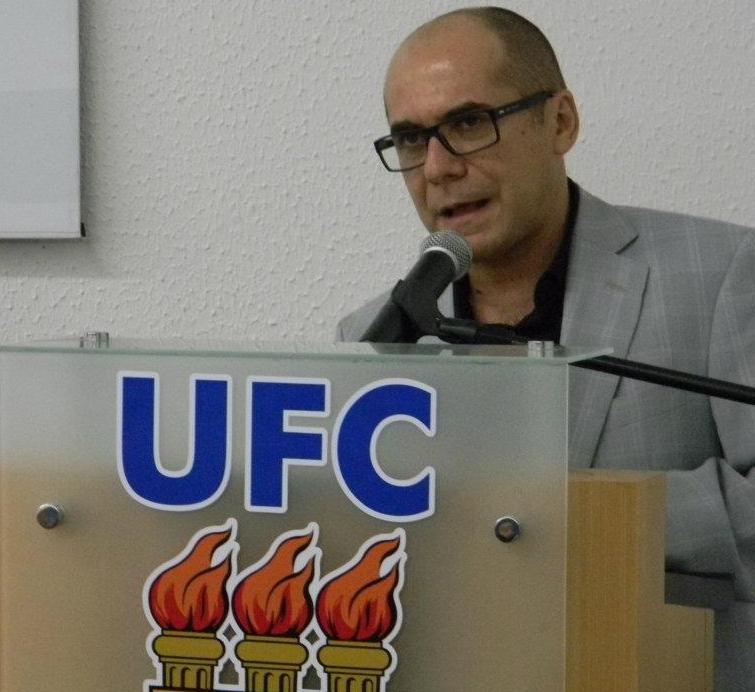 UFC ou UFCE? O reitor da Universidade Federal do Ceará, Jesualdo Farias, declarou que cogita mudar a sigla da instituição de ensino para evitar possíveis enganos.