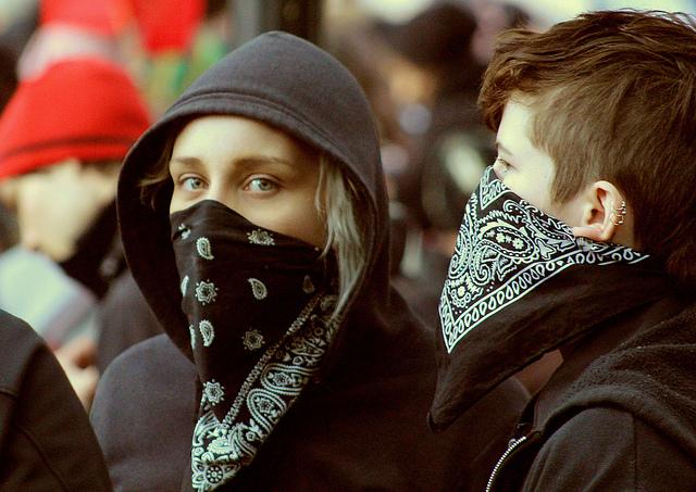 O Black Blocs se intitula um grupo anarquista, que luta contra o capitalismo e contra a globalização (FOTO: Karney Hatch/Flickr Creative Commons)
