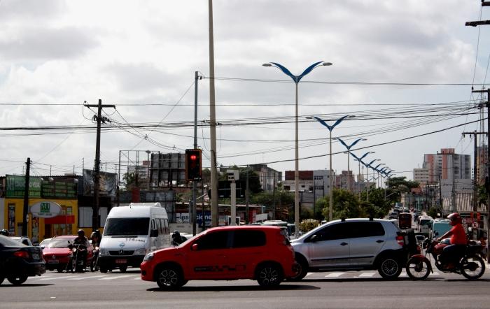 Na última década, o número de veículos em Fortaleza obteve um crescimento acumulado de 74,23% (FOTO: Camila Cabral)