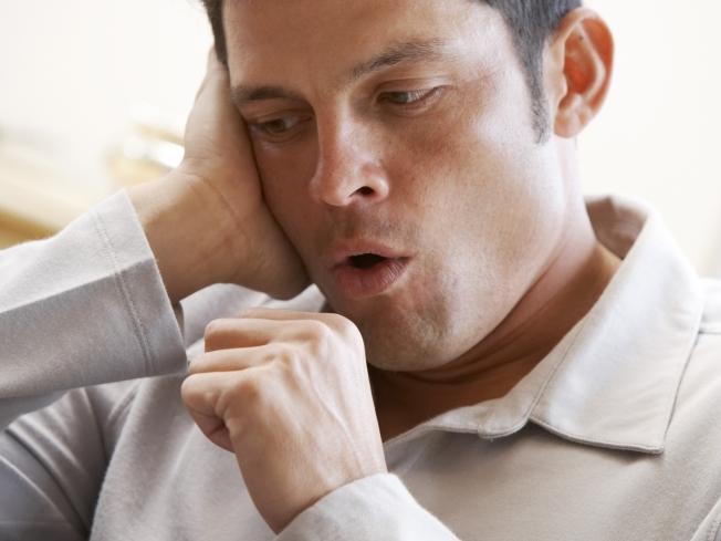 Pessoas que estão com tosse por mais de três semanas podem ter tuberculose