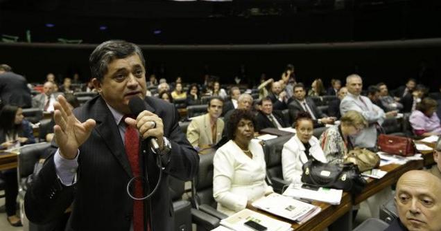 """posicionamento de Cid """"agradou' o líder do PT na Câmara dos Deputados, José Guimarães (FOTO: Divulgação)"""