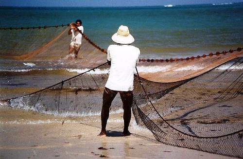 A metodologia do programa respeita a cultura, a experiência e a realidade dos pescadores (FOTO: Alcides Gomes)
