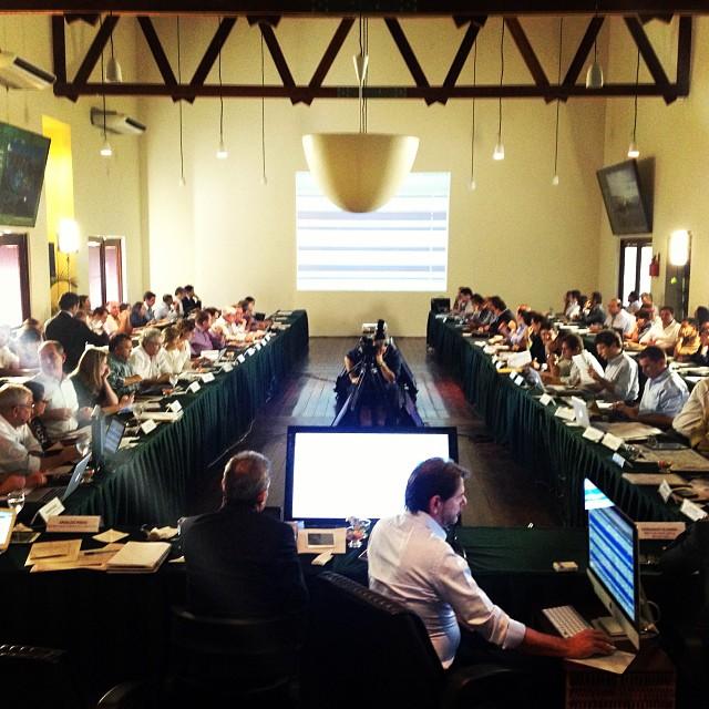 Reunião ocorreu nesta sexta-feira (FOTO: Divulgação/Governo do Estado)
