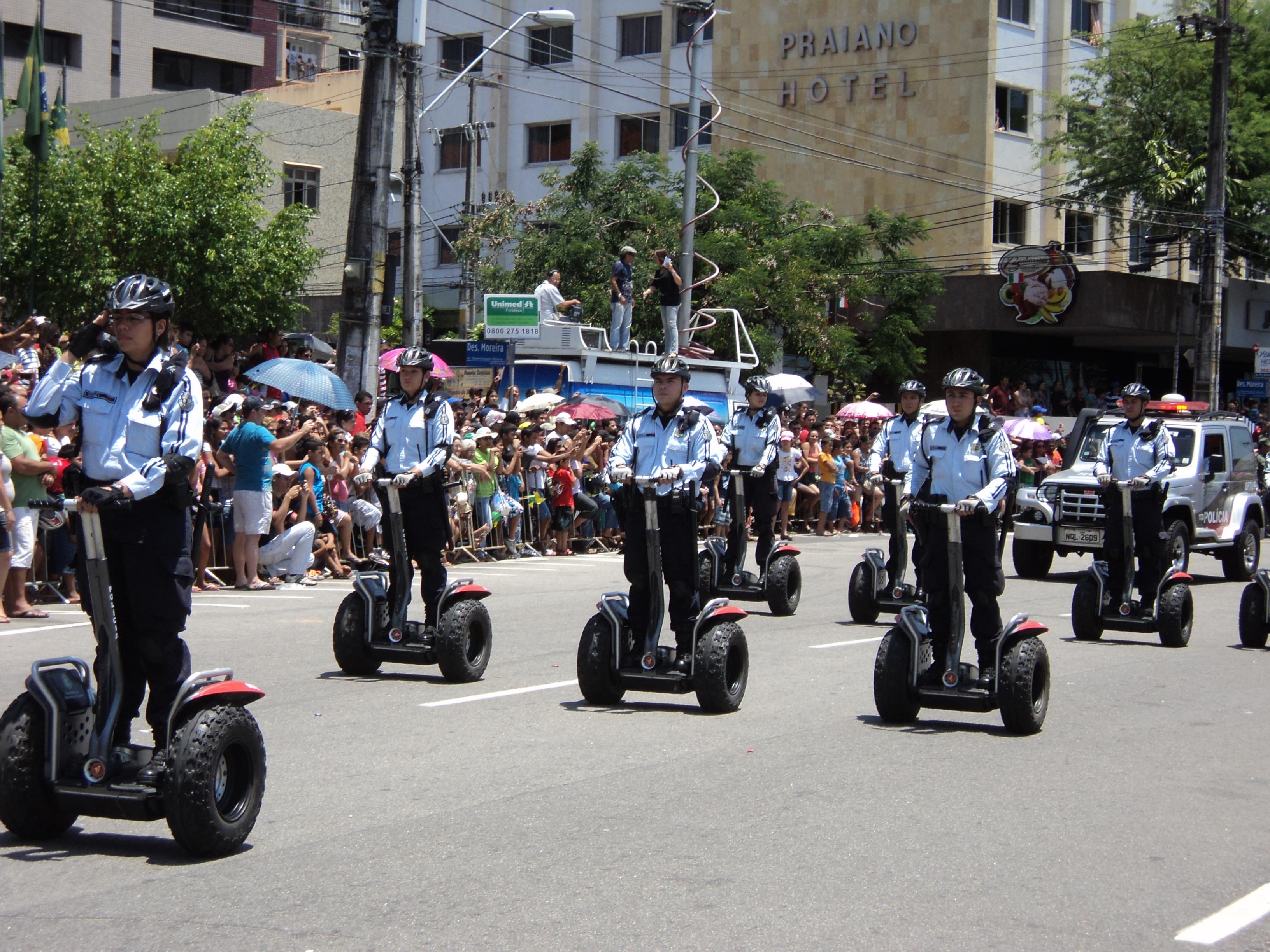 O governo do Ceará desembolsou cerca de R$ 28,5 mil por patinete. Ao todo, foram gastos R$ 285 mil para a aquisição do aparelho em 2008, que está inutilizado