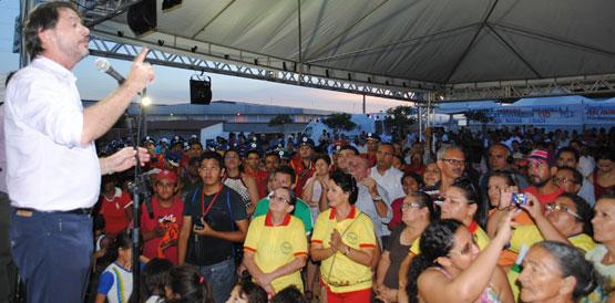"""""""Quero que até o final de 2014 o Ceará tenha a melhor rede de saúde pública de todos os estados do Brasil"""", disse Cid Gomes (FOTO: Divulgação)"""