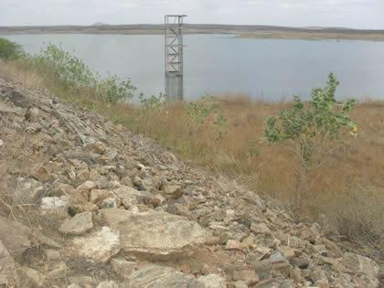 O açude Fogareiro faz parte da bacia hidrográfica do Banabuiú (FOTO: Divulgação)