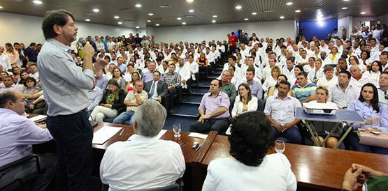 """""""O atendimento básico é a porta de entrada ideal para o tratamento de saúde e assegurar uma ação necessária para a população, desafogando os hospitais"""", explicou Cid Gomes (FOTO: Divulgação)"""