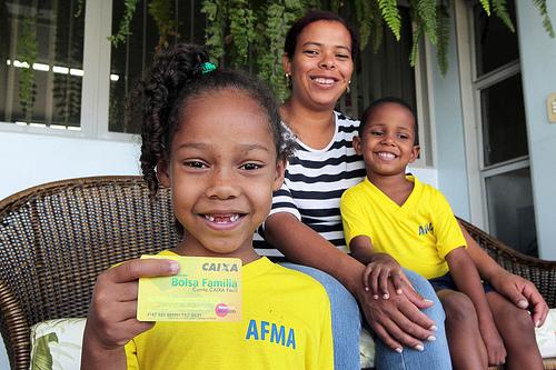 O repasse de recursos oriundos do Programa Bolsa Família para o Ceará, em 2012, totalizou R$ 1,6 bilhão (FOTO: Divulgação/MDS)