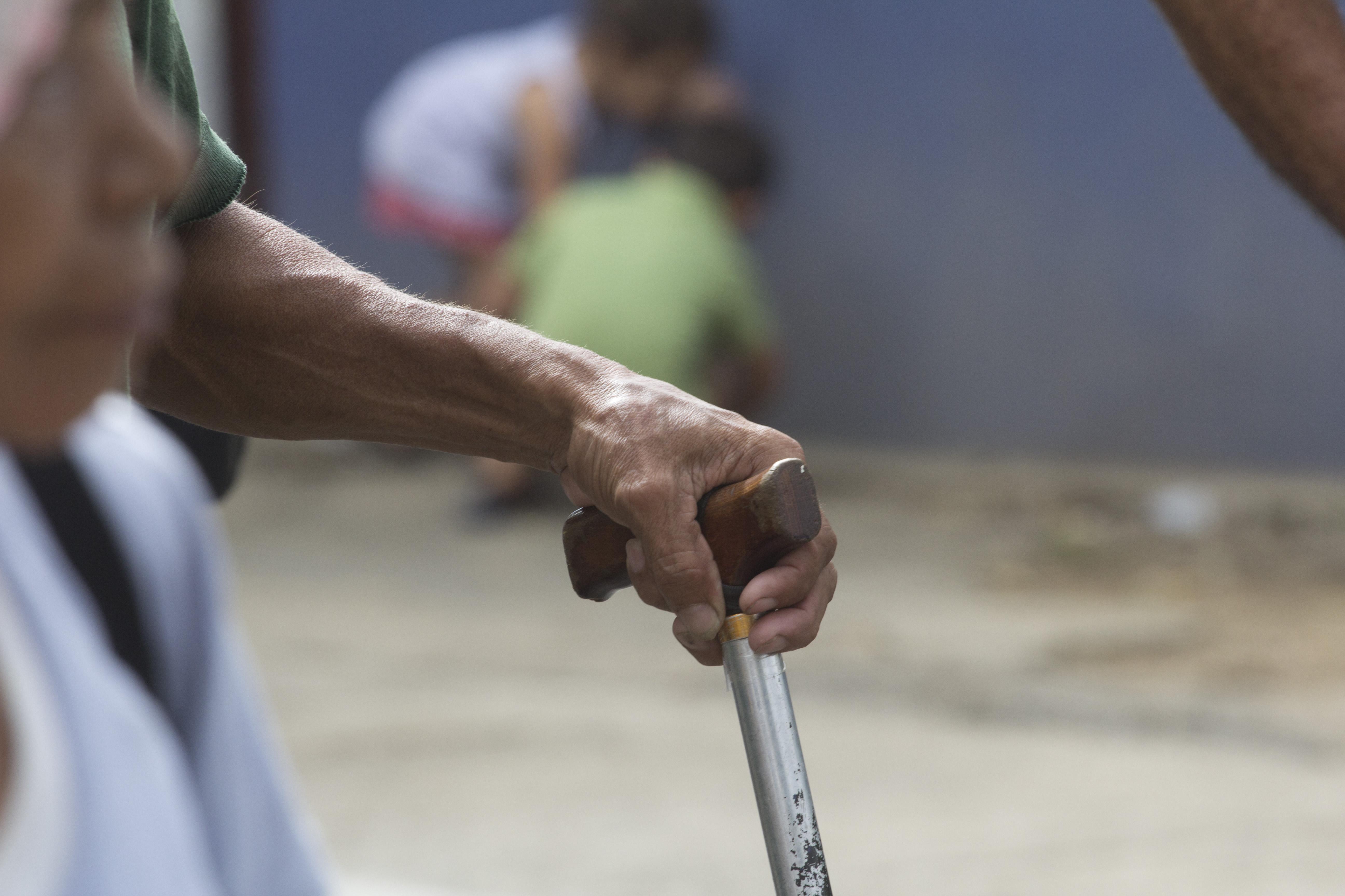 Aposentados por invalidez que necessitem de cuidadores têm direito a um acréscimo de 25% do valor recebido (FOTO: Flickr Creative Commons/ Jorge Mejía)
