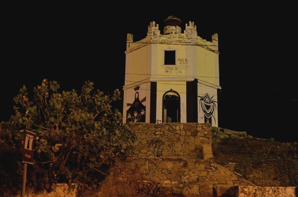 Artistas de rua fazem intervenções em diferentes pontos de Fortaleza (FOTO: Thalyta Martins)