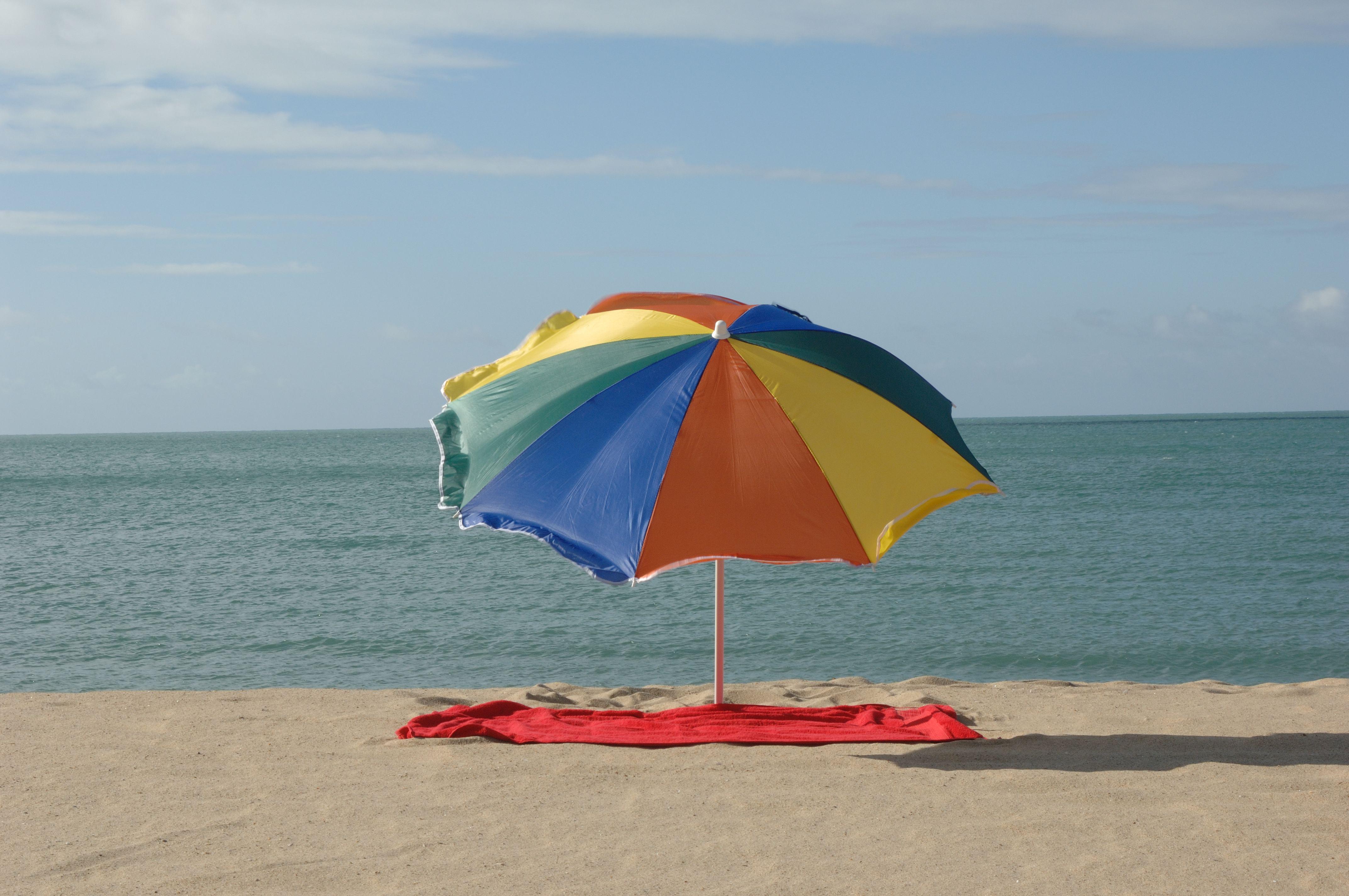 Para todo os banhistas, é importante o uso de filtro solar (FOTO: Falcão Jr.)