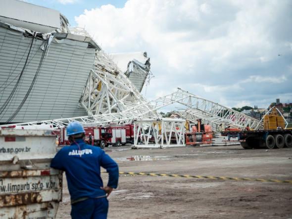 Corpo de operário cearense morto em acidente no estádio Itaquerão em São Paulo será velado nesta sexta-feira (29) (FOTO: Marcelo Camargo/Agência Brasil)