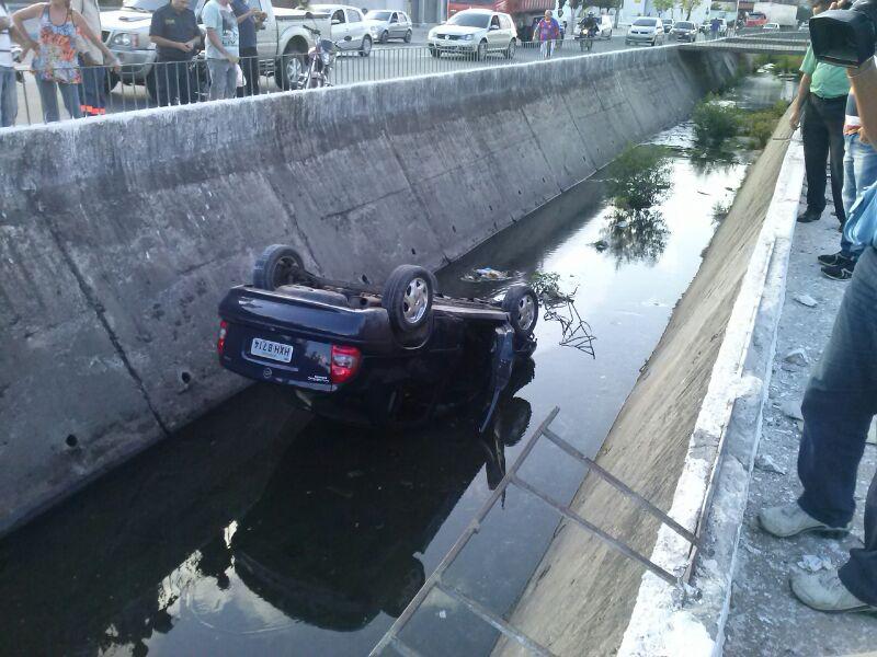 Motorista teve apenas ferimentos leves (FOTO: Abraão Ramos/TV Jangadeiro)