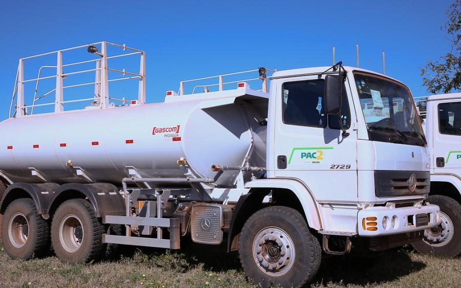 Mais de R$ 13 milhões foram investidos nos 54 veículos, que vão beneficiar cerca de 450 mil camponeses, dentre eles, quase 65 mil famílias de agricultores familiares (FOTO: MDA/Divulgação)