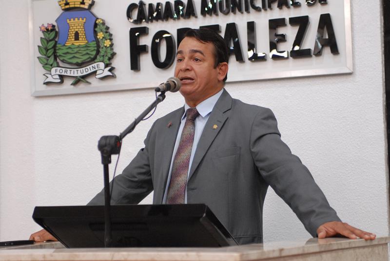 """Vereador Ronivaldo Maia (PT) pede que Prefeitura respeite """"Lei Antibaixaria"""" nas festas de fim de ano (FOTO: Divulgação/Genilson Maia)"""