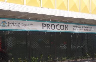 A pesquisa foi realizada entre os dias 22 e 30 de dezembro em livrarias e papelarias de Fortaleza. (FOTO: Prefeitura de Fortaleza)