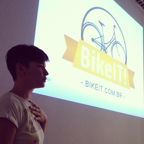 Oficina apresentada no 2º Fórum Mundial da Bicicleta, em Porto Alegre. (FOTO: Coletivo CRU)
