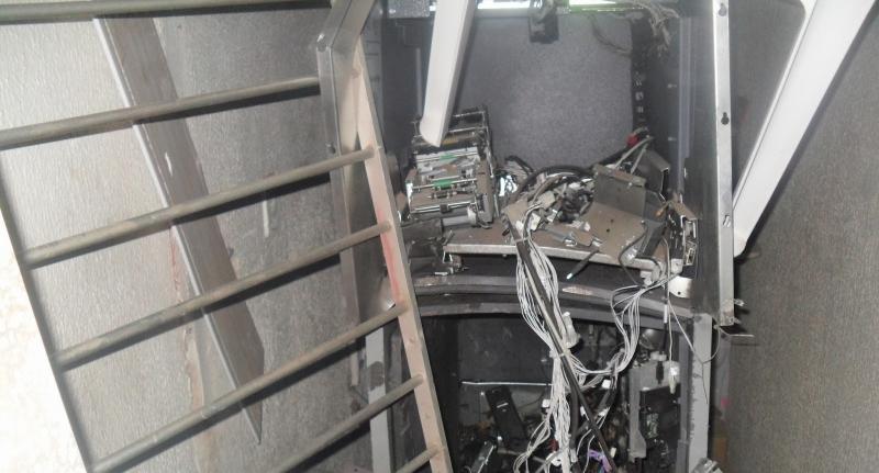 Bandidos fortemente armados explodiram a agência bancária (FOTO: Varjota em alerta)
