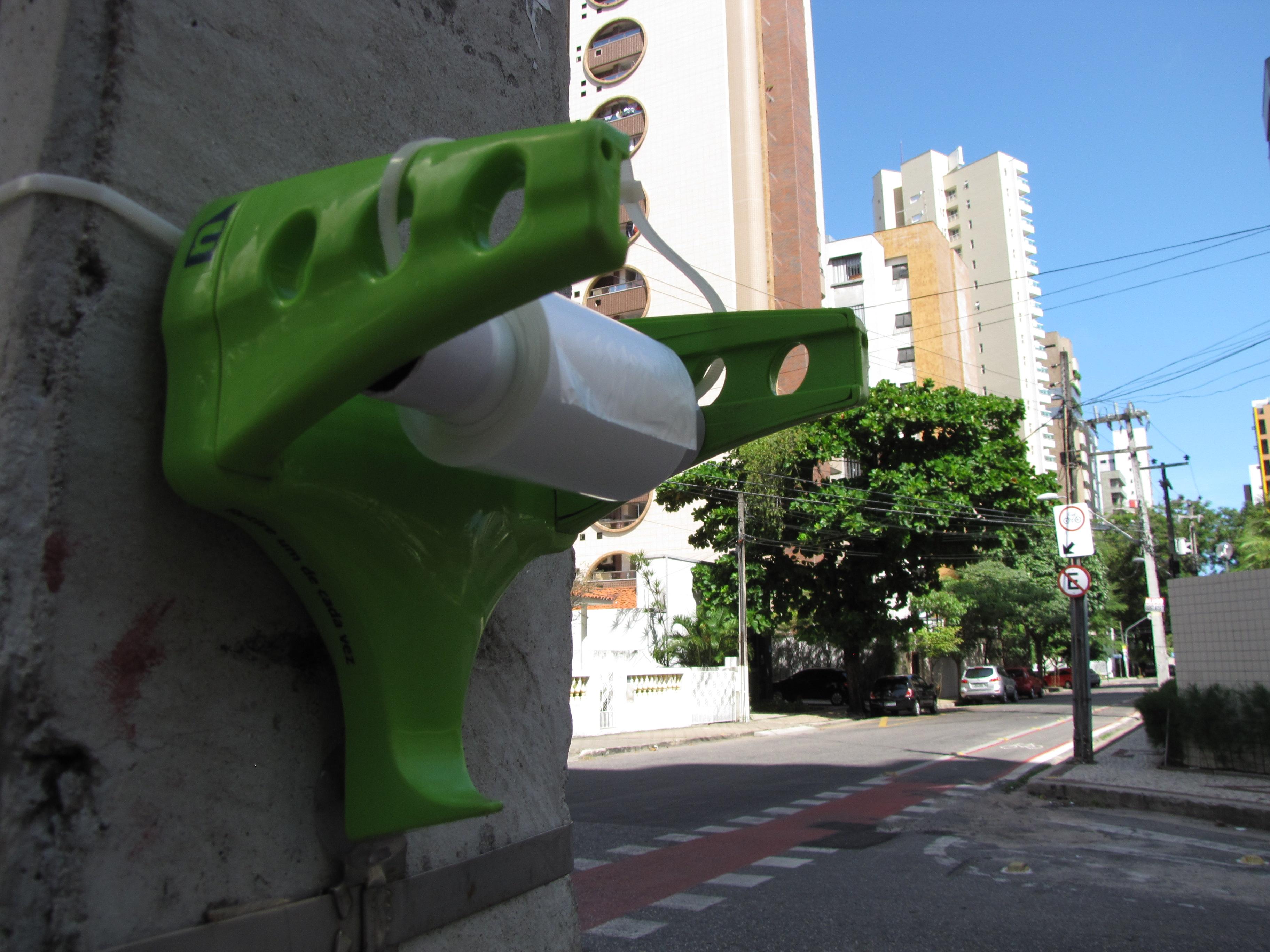 Equipamento pretende diminuir sujeiras nas ruas da cidade (FOTO: Célio Belém)