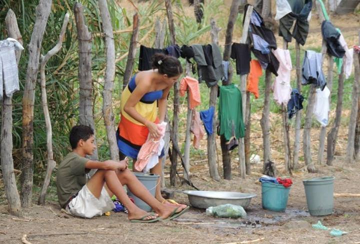 Depois de quase um mês sem água, moradores voltam a receber abastecimento (FOTO: Eldem Martins)