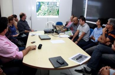 Durante o encontro, foram apresentados prédios para o funcionamento da unidade educacional. (FOTO: Prefeitura de Fortaleza)