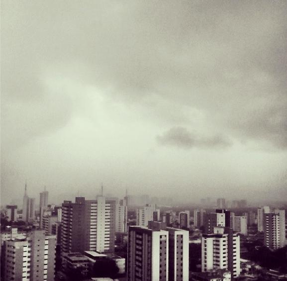 Que a terra do sol se transforme na terra da chuva (bem muita). Amém! (FOTO: @diogenesalveslima)
