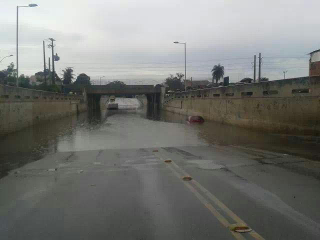 Chuva no bairro Mondubim