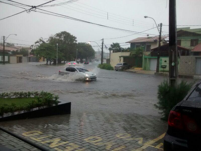 As maiores chuvas foram registradas em Camocim (110 milímetros), Guaraciaba do Norte (97mm), Santa Quitéria (93mm), Reriutaba (85mm) e Ibiapina (85mm)