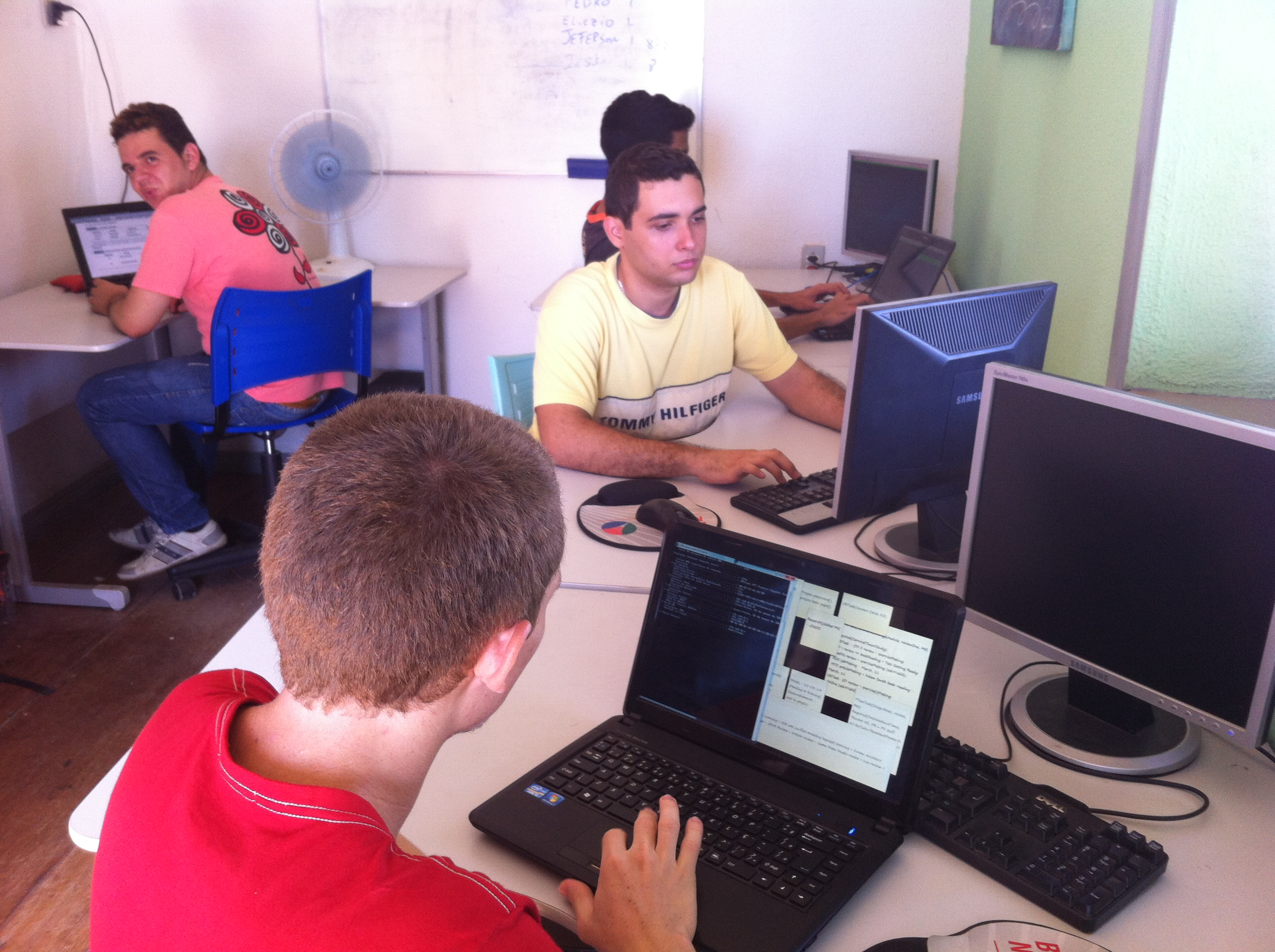 Aracati Digital tem o objetivo de formar jovens para atuar no mercado de trabalho (FOTO: Arquivo pessoal/Mauro Oliveira)