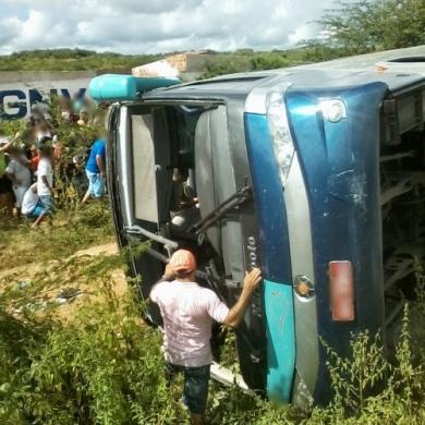 Acidente deixou pelo menos 18 mortos (FOTO: Canindé Notícias)