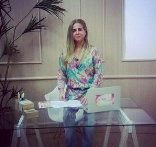 Luizianne Lins minutos antes de passar mal na TV União. (Foto: Reprodução/ Facebook)