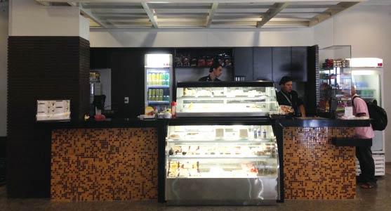 Lanchonete popular oferece preços mais baratos dentro do mercado do aeroporto (FOTO: Infraero/ Divulgação)