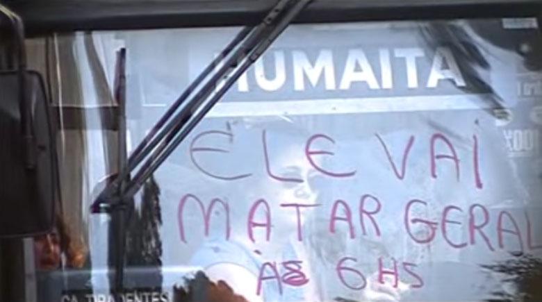 Refém escreve com batom no vidro do ônibus (FOTO: Divulgação)