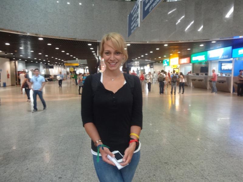 Claudia chegou em Fortaleza na tarde desta sexta (FOTO: Tribuna do Ceará/ Hayanne Narlla)