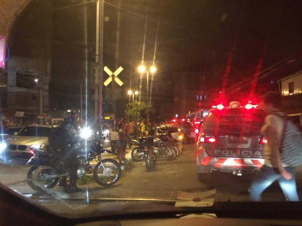 Crime aconteceu no início da noite de sexta-feira (FOTO: Facebook/Fortaleza Apavorada)