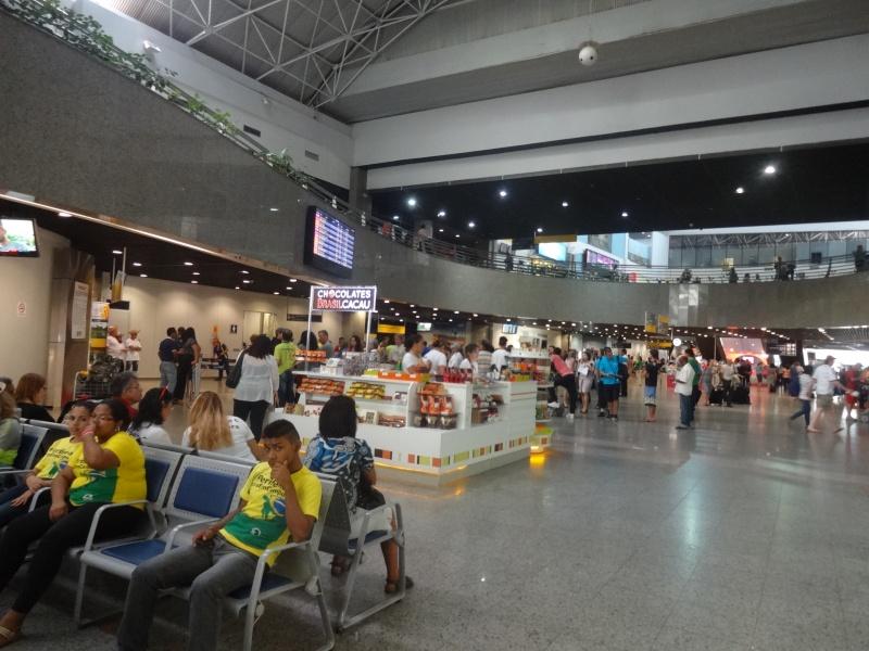 Movimentação no Aeroporto é grande e reclamações também (FOTO: Hayanne Narlla/ Tribuna do Ceará)