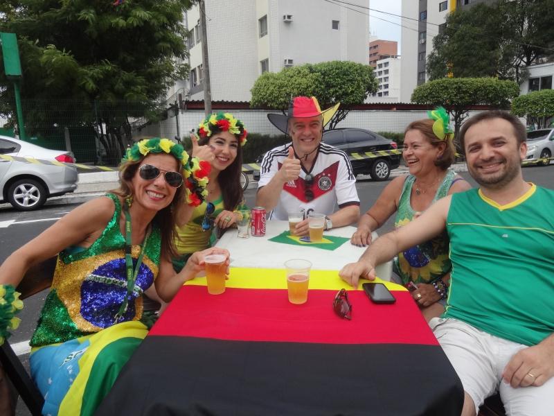 Família Reichelt se dividia na torcida e marcou presença no O Alemão (FOTO: Hayanne Narlla/ Tribuna do Ceará)