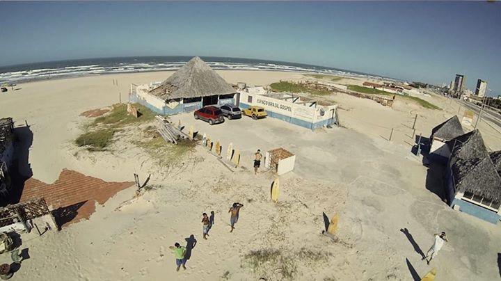 Instituto Sol oferece esporte e artes à crianças da Praia do Futuro