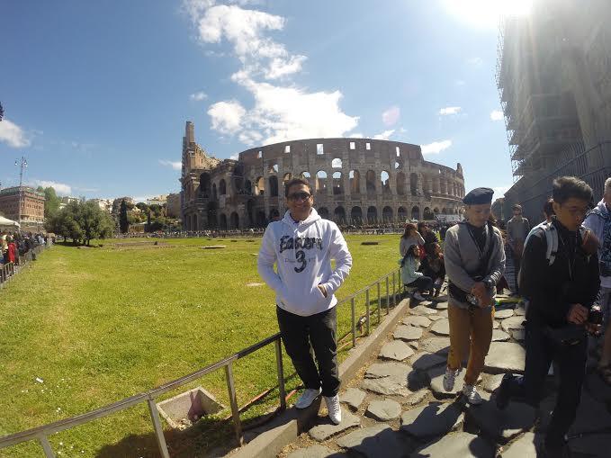 Registro no Coliseu - Roma. (FOTO: Arquivo Pessoal)