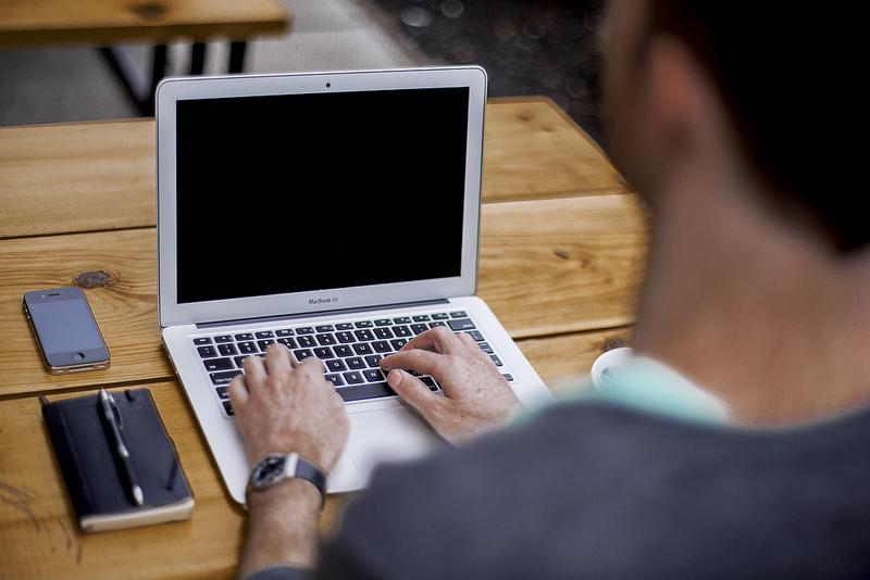 Consumidores podem interagir diretamente com empresas em site público (FOTO: Flickr/ Creative Commons/ Alejandro Pinto)