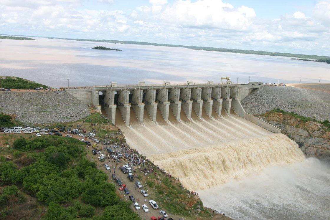 Castanhão secou muito e atingiu 35% de sua capacidade (FOTO: Divulgação/ Dnocs)